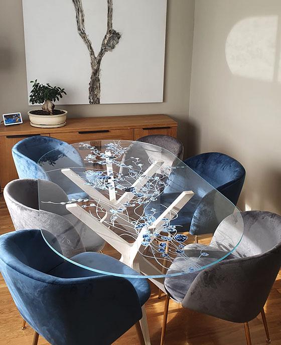 mesa con cristal estampado