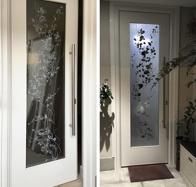 Puerta con cristal estampado